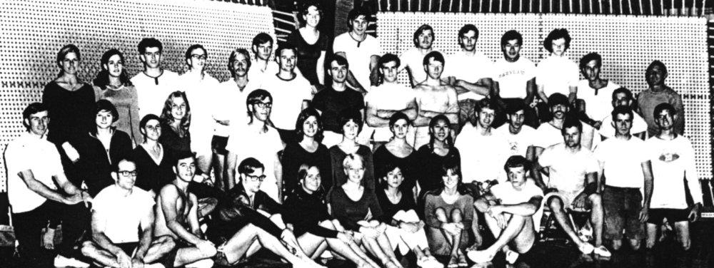 69-70 troupe.jpg