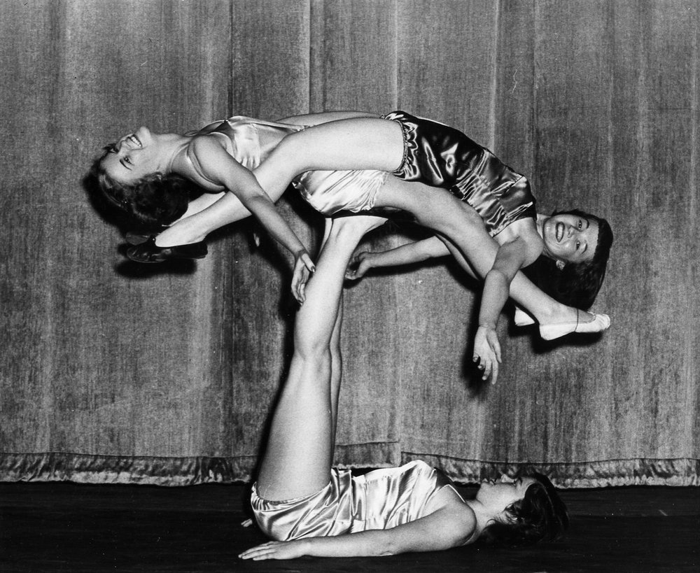 Gymkana Women's Triples Balancing, 1950
