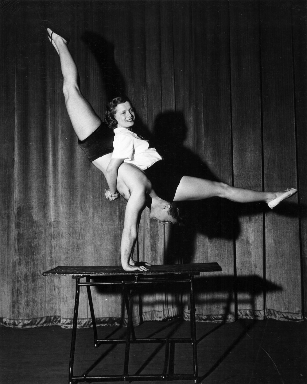 Gymkana 1949 mixed doubles balancing - Chuck Fox and Amy Berger