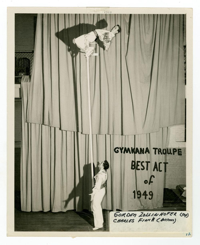 1949 - The Sky Scrapers (Perch Pole)