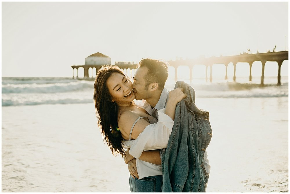 manhattan beach pier beach engagement_0023.jpg
