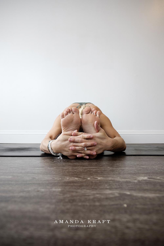 amandakraftphotography_jessie_yoga_011.jpg