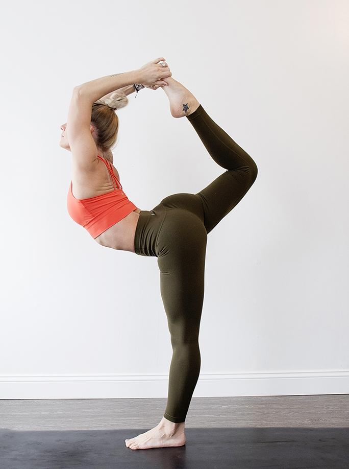 amandakraftphotography_jessie_yoga_044.jpg