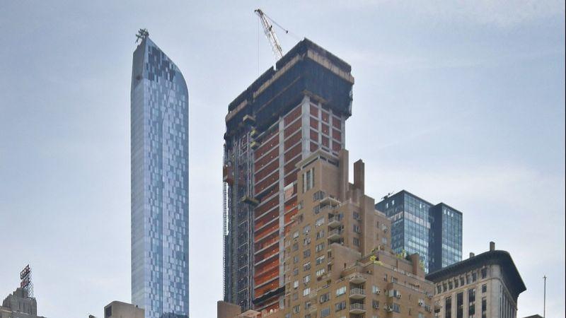 LA TIMES - BILLIONAIRE KEN GRIFFIN PAYS $238 MILLION FORNEW YORK PENTHOUSE, TROUNCING PRICE RECORD