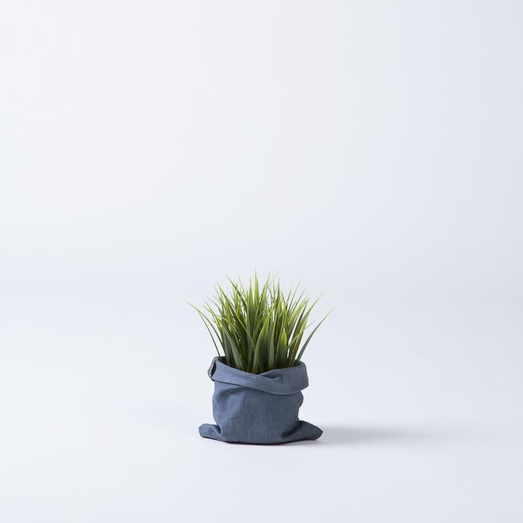 worn planter.jpg