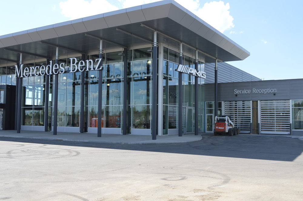 Mercedes-Benz Showroom - Steel-Craft SA7000