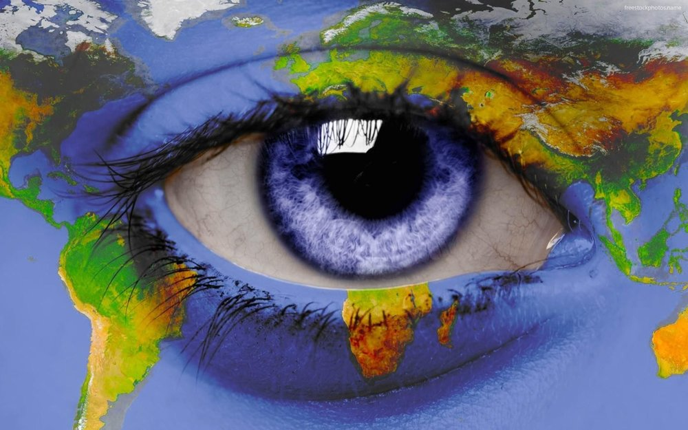 image-of-the-world-on-the-eye-of-a-woman-6856.jpg
