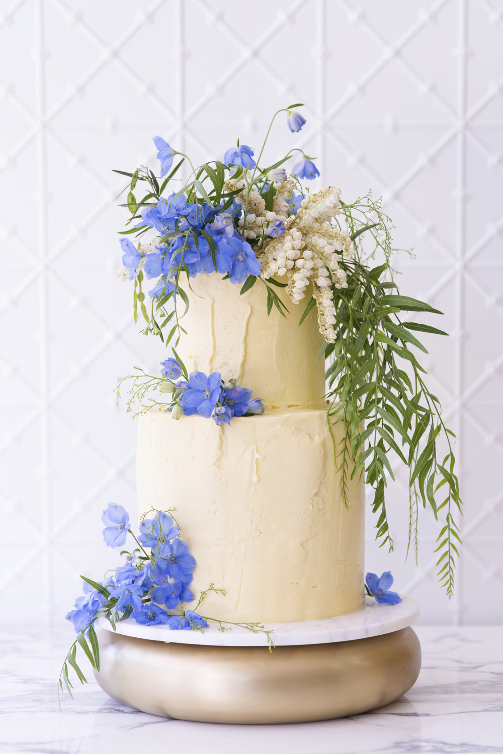 BLOODWOOD BOTANICA X Faye Cahill | Something blue wedding cake