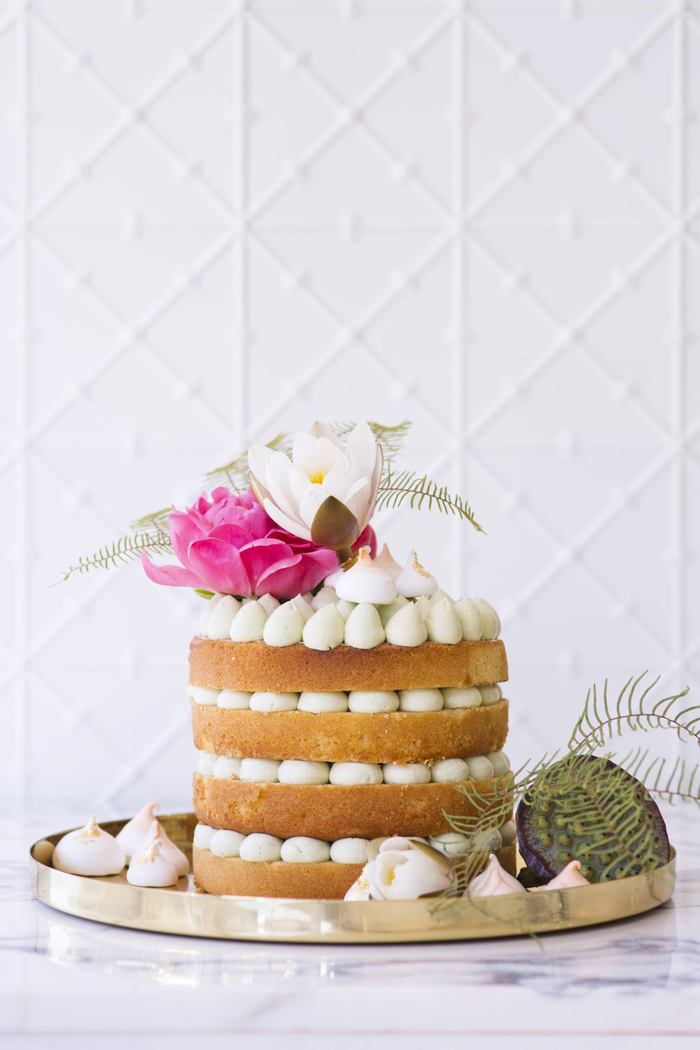 BLOODWOOD BOTANICA X Faye Cahill | Tropical wedding cake