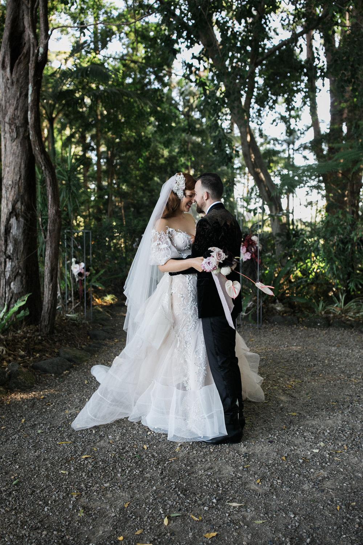 Nikea + Ed | Happy couple | Bloodwood Botanica