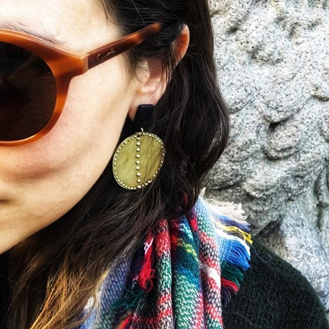 That kind of afternoon in NYC. Rocking the 'I AM BOLD' Earrings in black with my fresh new #carlazampatti shades.... loving life- all 2 degrees of it ☃️ #traveldiaries #jewelrydesigner #nyc #allhailcollection #brass