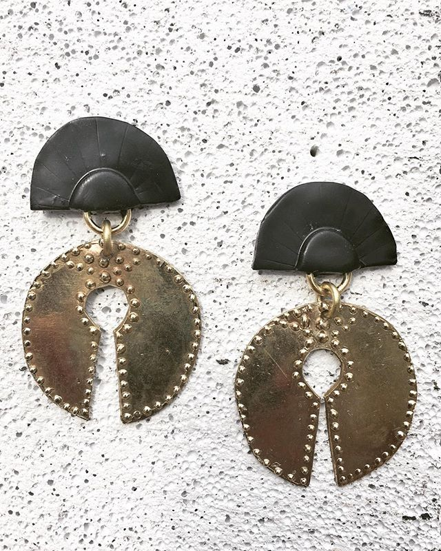 ✨Wednesday Feels ✨ Adding some extra details into my day like 👊🏽 The 'Gimme' More' Earrings $55 - pre-order now. PM me asap.