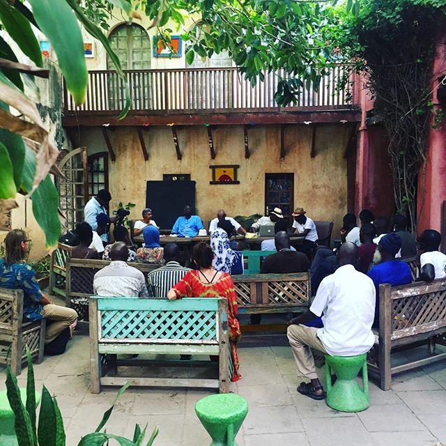 #SambCinema, début du diisoo cinema, accueillie par la maison Keur Khadija. Communications et débat pour introduire notre hommage à Ababacar Samb-Makharam.