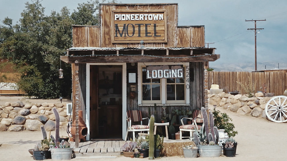 Pioneertown_Motel_1.jpg