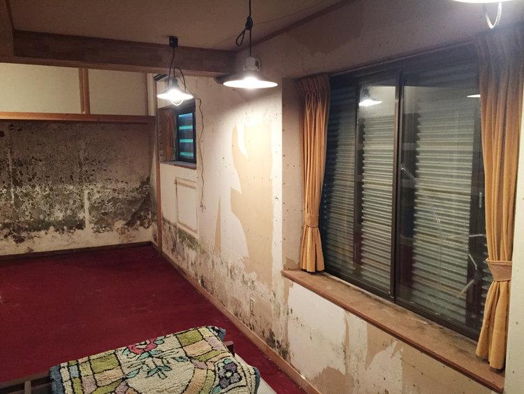 Kuma-Lodge-Old.jpg