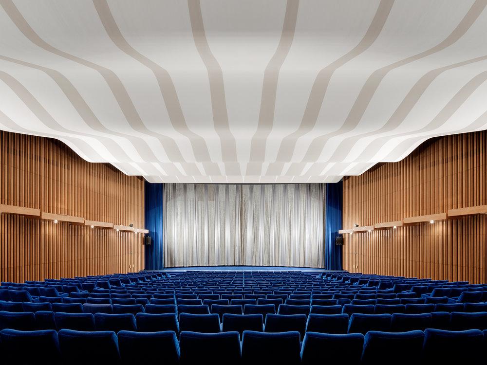 KinoInternational_Saal(c)YorckKinogruppe_DanielHorn.jpg