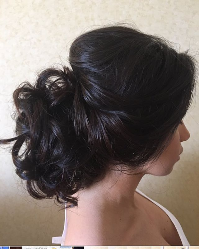 Soft romantic look for this beautiful bridesmaid 😊#modernsalon #bridalhair #beyondtheponytail #brunette #lovewhatido #romantic #romanticstyle #brides #bridesmaids #bridestyle #weddinghair #weddingfun #weddingseason #weddingplanning