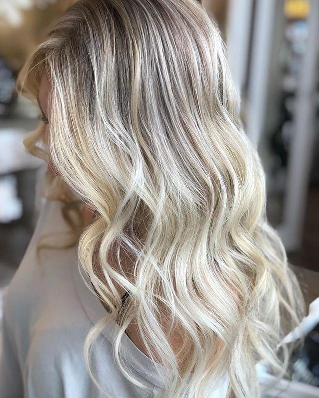 Paint ✨Melt✨Tone ✨by @stylejfine #cooltones #bestofbalayage #haircolor #rootmeltbalayage #goldwellapprovedus @balayageartists @bestofbalayage