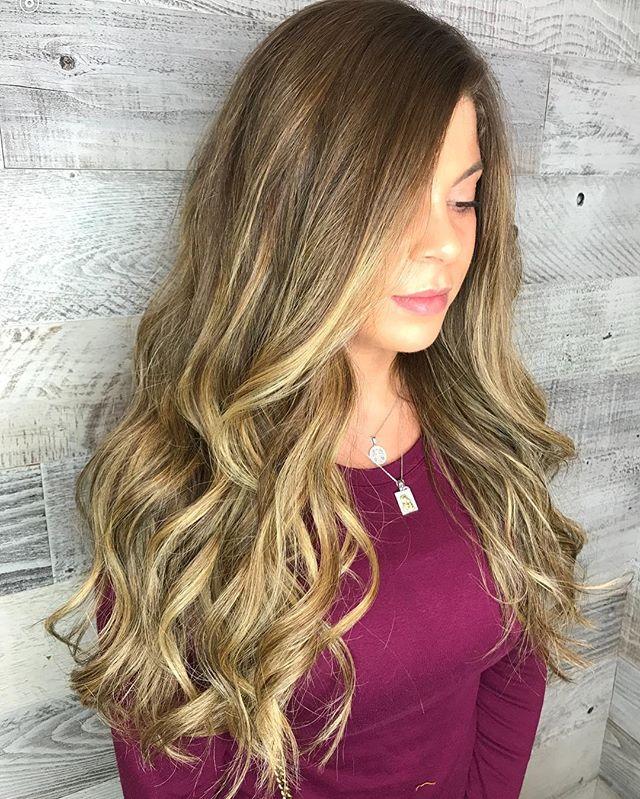 Beautiful color created by @irenefotinos7753  #balayage #blondes #winterhair #warmblonde #balayageombre #hairgoals #prettyhair