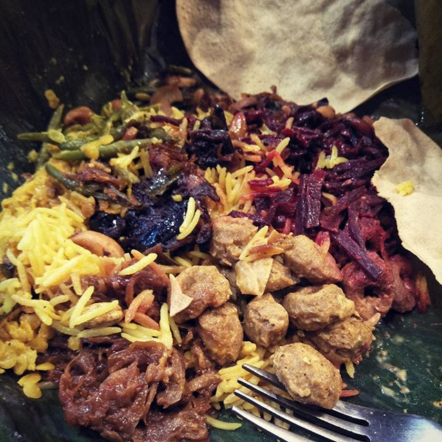 Banana leaf baked curry #srilankanfood #veganheaven #geelongweekender #rook
