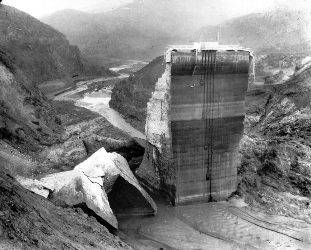 St Francis Dam After the Collapse.jpg