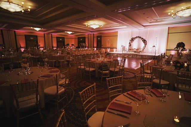 Tonight's setup for Suha & Ajmal's shaadi. •  #DJTanveer #weddingDJ #Bollywood #IndianWedding #PakistaniWedding #QSC #Uplighting #DJ #Party #shaadi • 🏢 : @fremontmarriott 📸 : @georgemavitzis 💐 : @aesthetika_events 🎥 : @mabroukvisuals