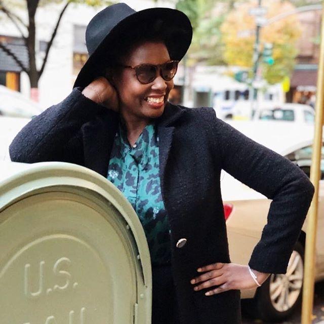 @elisalesbontuyaux is all smiles in our Lea Coat ✨ ⠀⠀⠀⠀⠀⠀⠀⠀⠀ 📸: @candicecorner⠀⠀⠀⠀⠀⠀⠀⠀⠀ 👒: @dashinginthecity