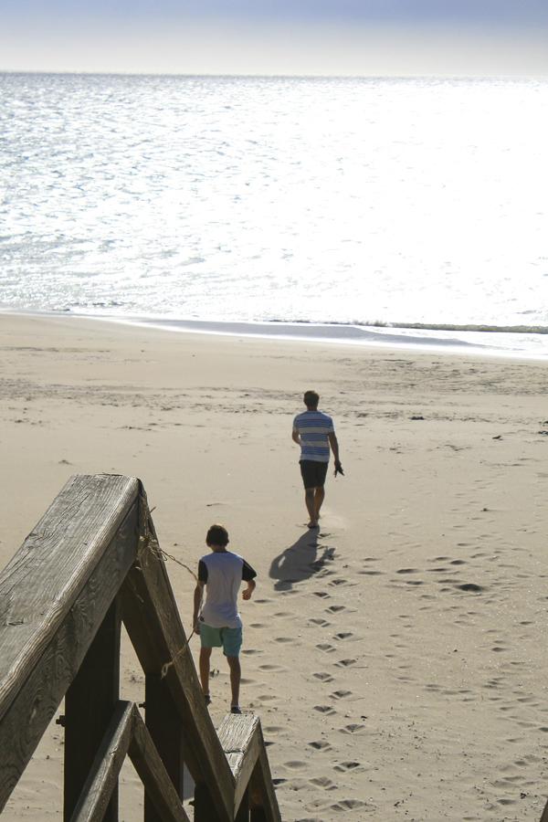p113:1 Boys on the beach-.jpg