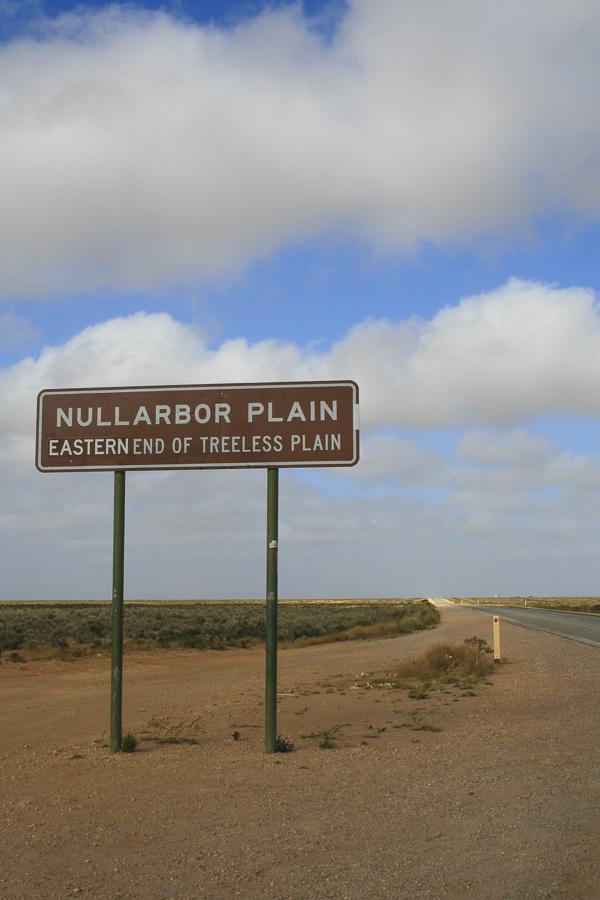 p160:4 Nullarbor Plain Sign-.jpg