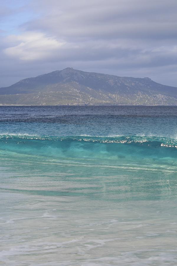 p184 Wave at Little Beach-.jpg