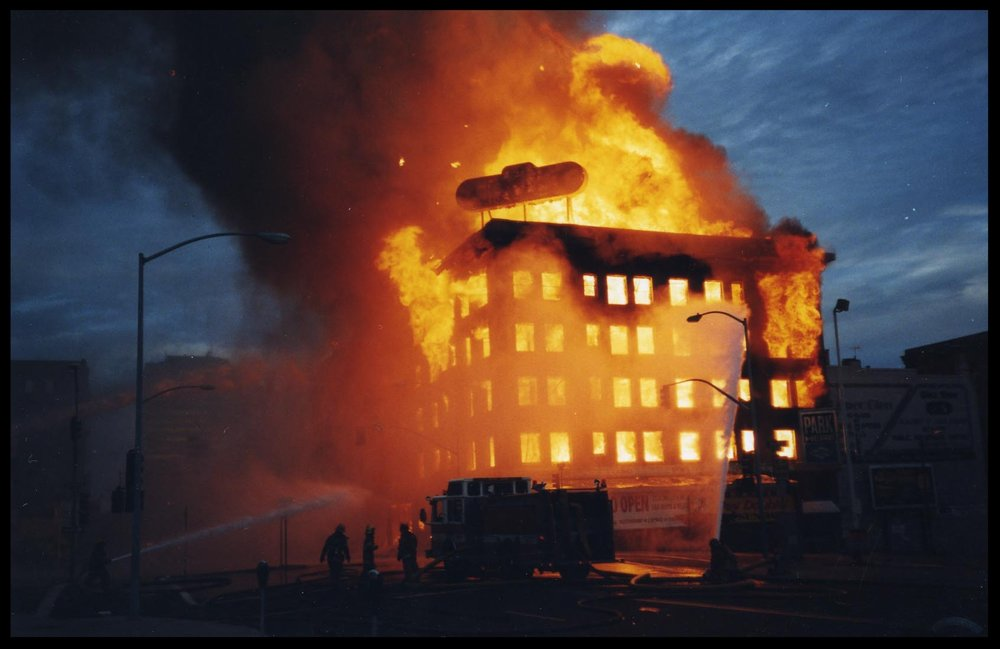 The Mars Hotel fire - photo by Larry Lutz, (7/17/99)