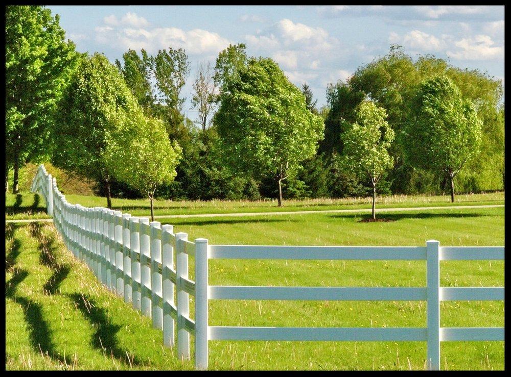 White picket fence - copyright Erik Przekop