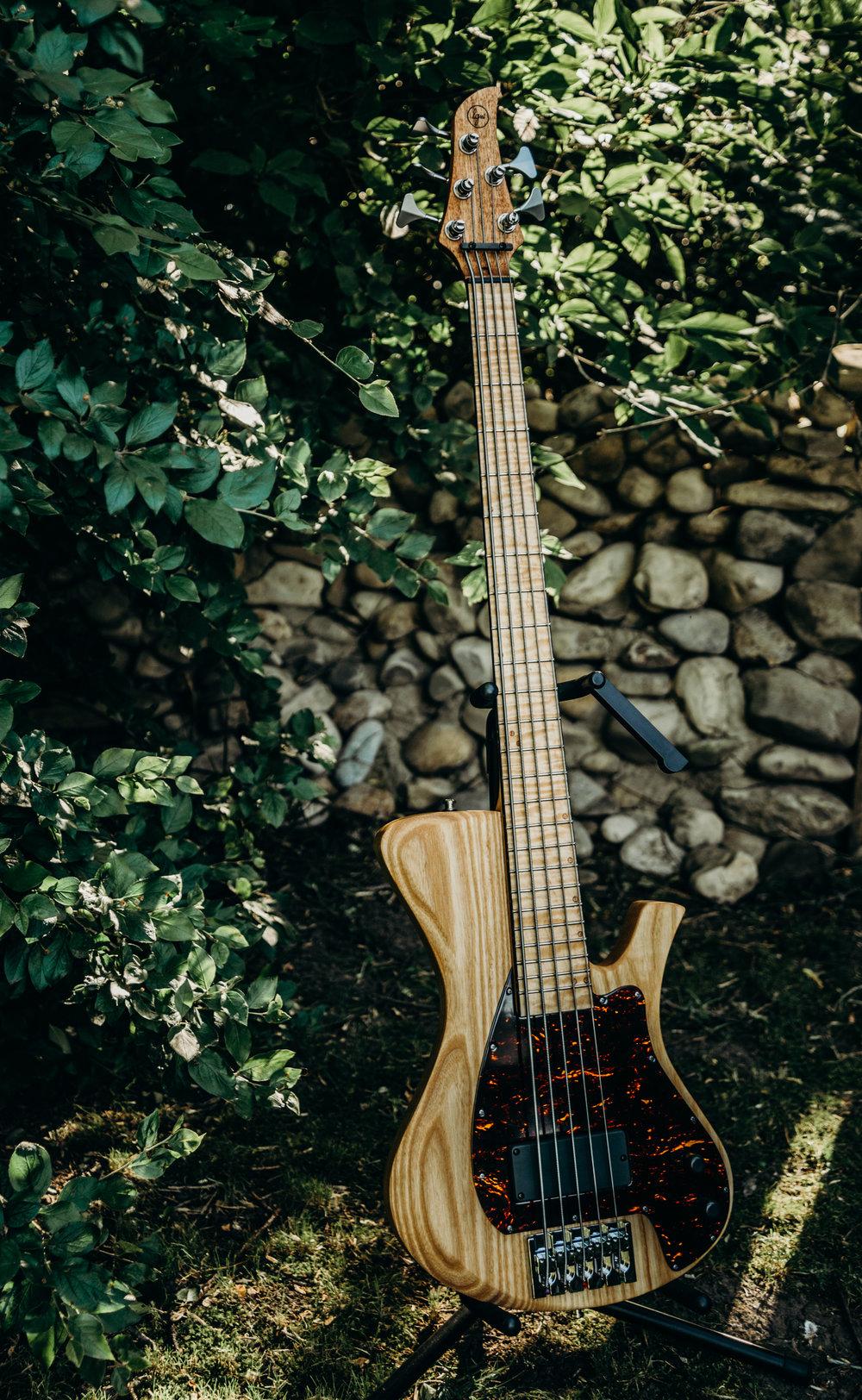 """Orpheus"" - 5-string bass prototype"