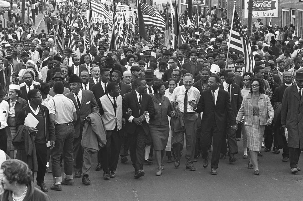PAGE 94: ON MACRCH 25, 1965, MORE THAN 25,000 DEMONSTRATORS COMPLETED THE FINAL STRETCH OF THE 54-MILE MARCH FROM SELMA TO MONTGOMERY, ALABAMA  (PERMISSION OF THE ASSOCIATED PRESS).