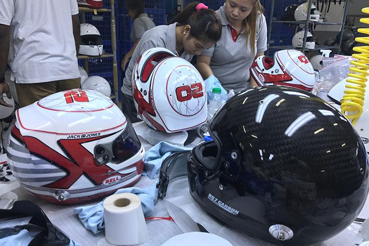 Bell-Helmets-Bahrain-Kevin-Magnussen.jpg