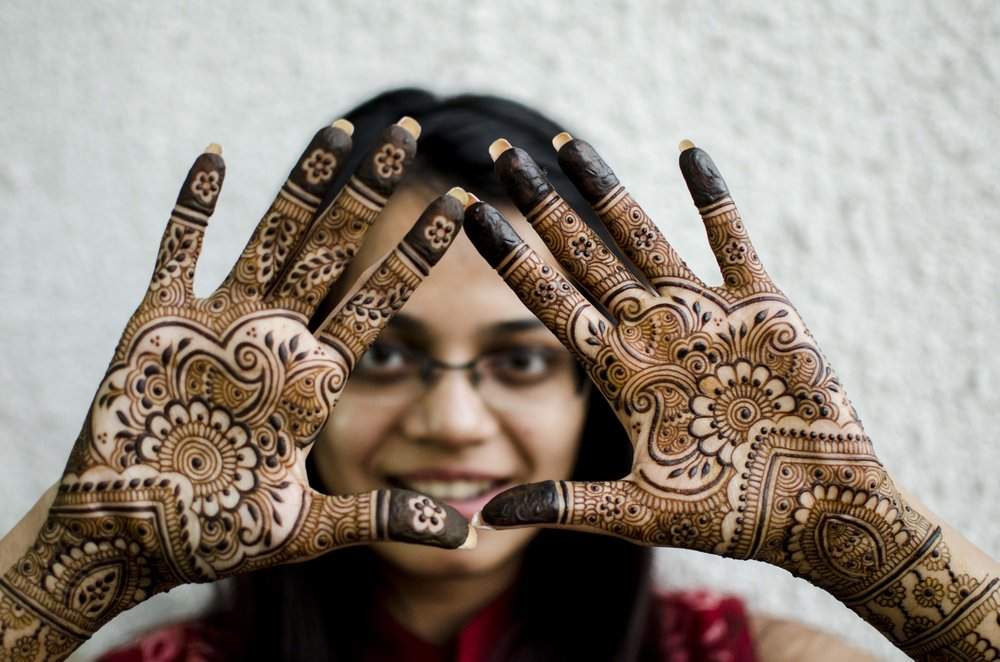 76ad40a59ec48 This, however, is not henna. It is the color of whatever material you have  added. Personally, in my work I do not like to use anything to stain the  skin ...