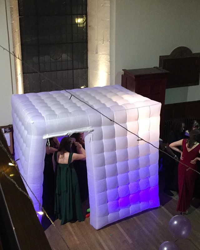 Birds eye view! h #photoboothevent #photoboothrental  #photoboothprops #photoboothmurah #photobooths #photoboothfun #photoboothwedding #photoboothedinburgh #photoboothbusiness #photoboothstartup #startupbusiness #ukphotobooth #ukphotographer #events #ukevents #photography #photographybusiness #inflatablephotobooth