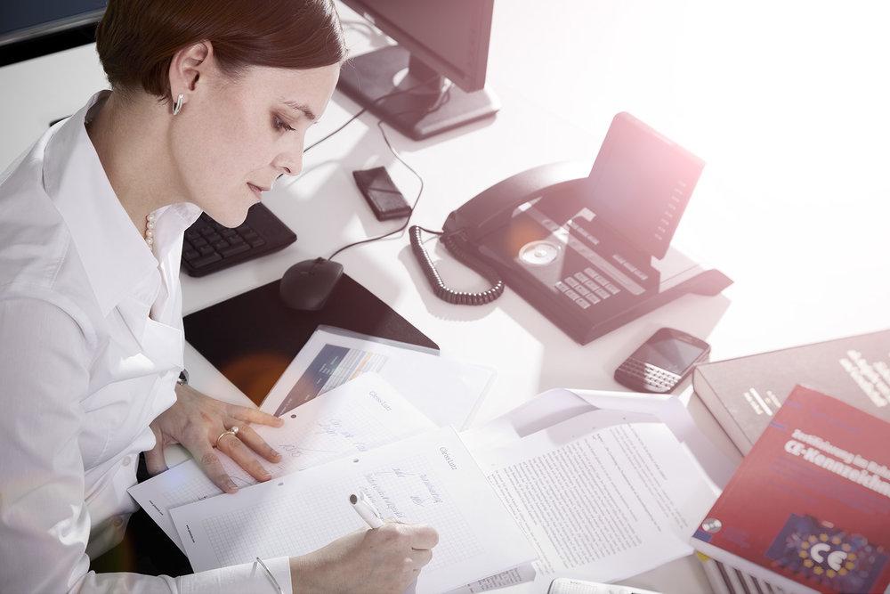 Anwältin Arbeitssituation Kanzlei