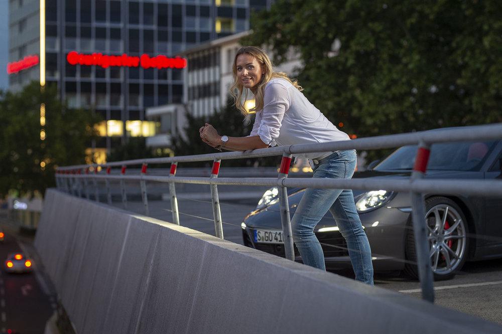 Porsche 911 Targa und Kim Remkema fotografiert von Jean-Claude Winkler Werbefotograf aus Stuttgart