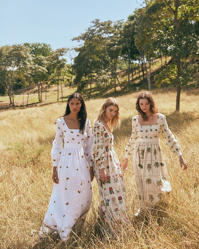 Three babes in the land of the thousand landscapes. We love this project for @aguabenditasw x @creoconsulting #AguaByAguaBendita  Shot by @andreaswarz  Makeup @elauribe  Talents @isidorades @michellarteaga10 @whoislaurenskye  #ScoutingBySomeFriends #ProducedBySomeFriends