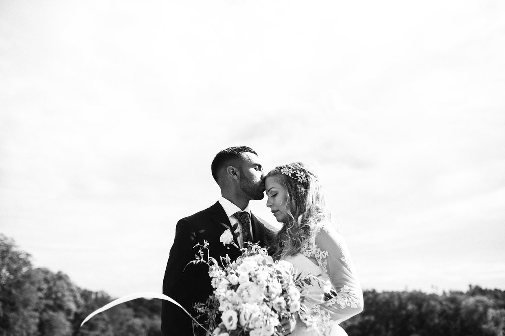 Linda&Amad-FotografAHyrefeldt-581.jpg