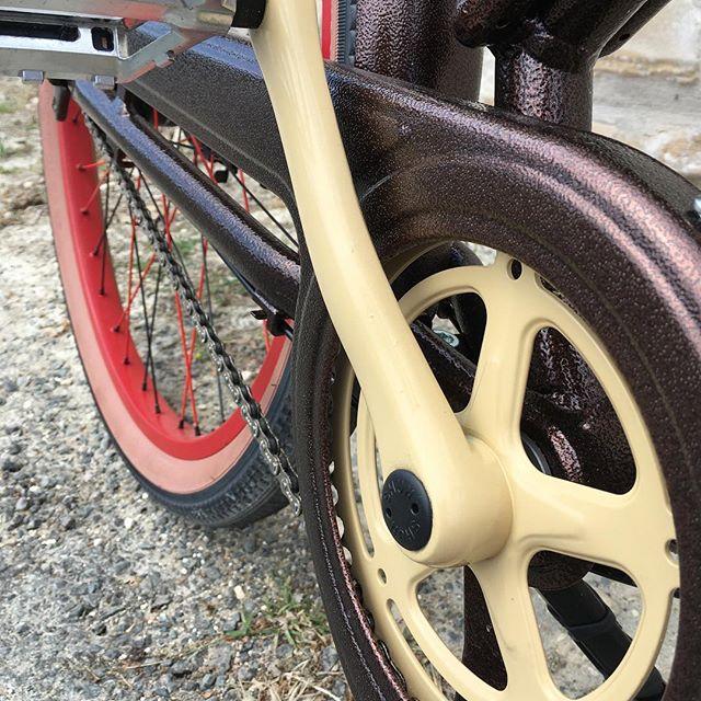 Modèle à l'essai au magasin  Venez voir et essayer  #ilederé #beach #velo #boisplage #bike #creation #
