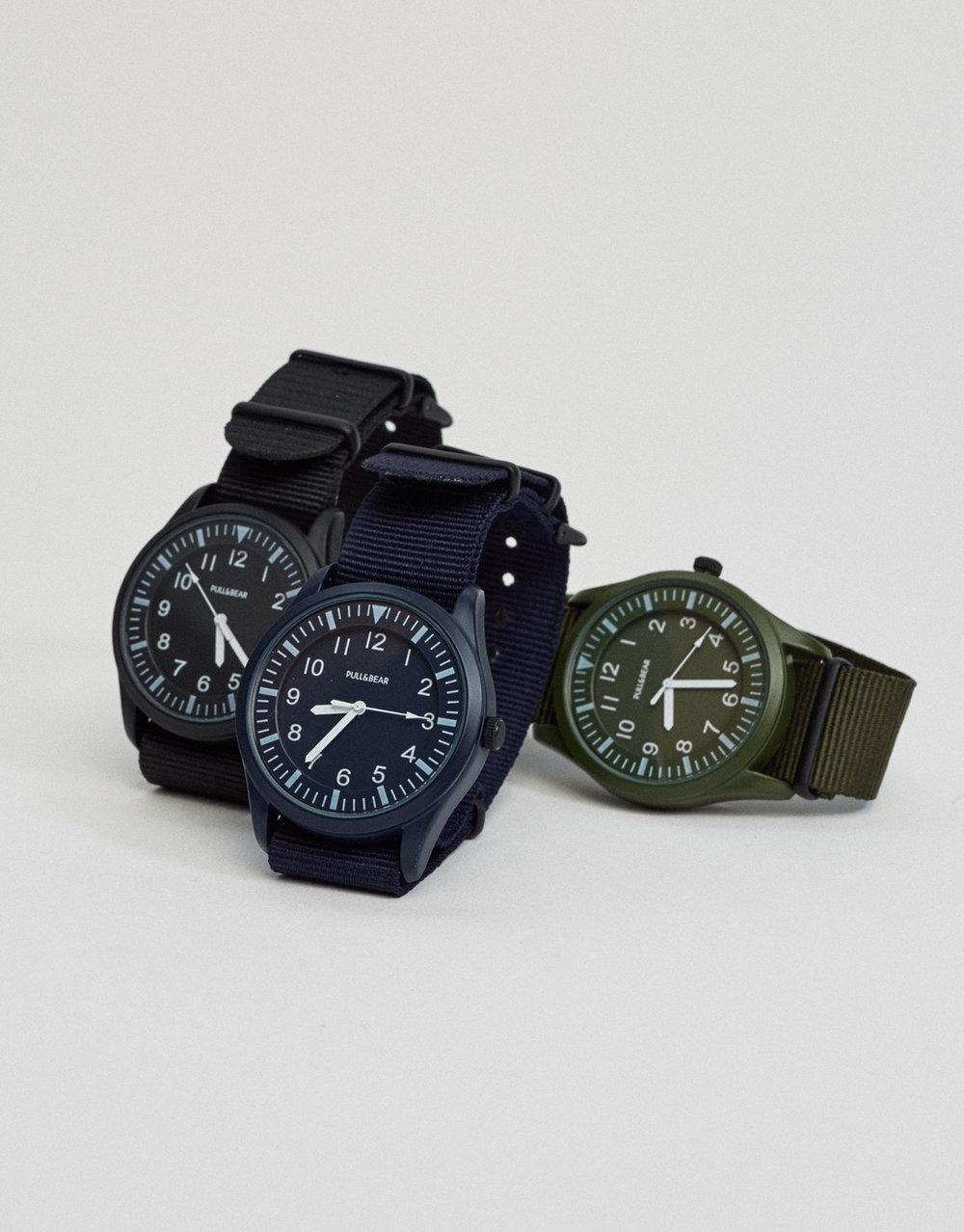 Nylon-Casual-Watch-Pull-Bear-1599€.jpg