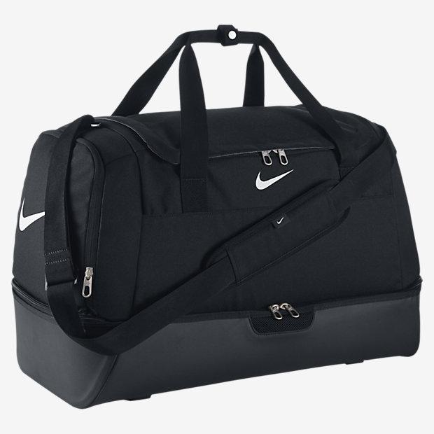 club-team-swoosh-hardcase-duffel-bag-2649€.jpg