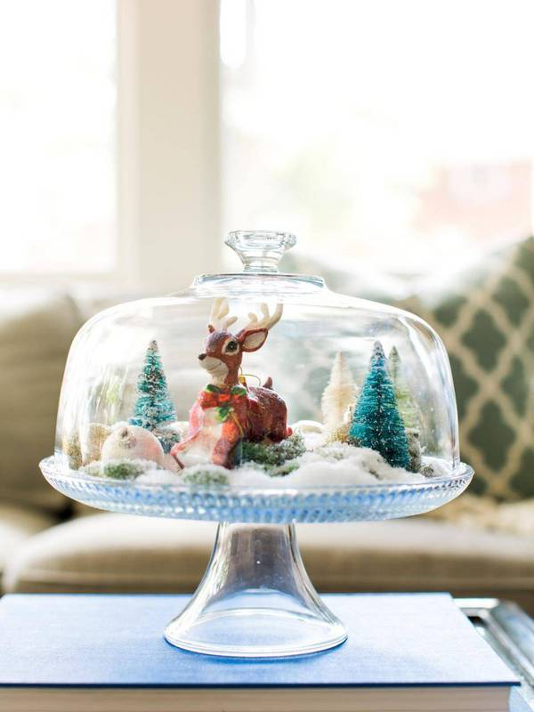 these-holiday-decor-ideas-are-perfect-for-small-spaces-small-space-decor-cake-stand-with-christmas-village-582f898beeb90a08340c6394-w620_h800.jpg
