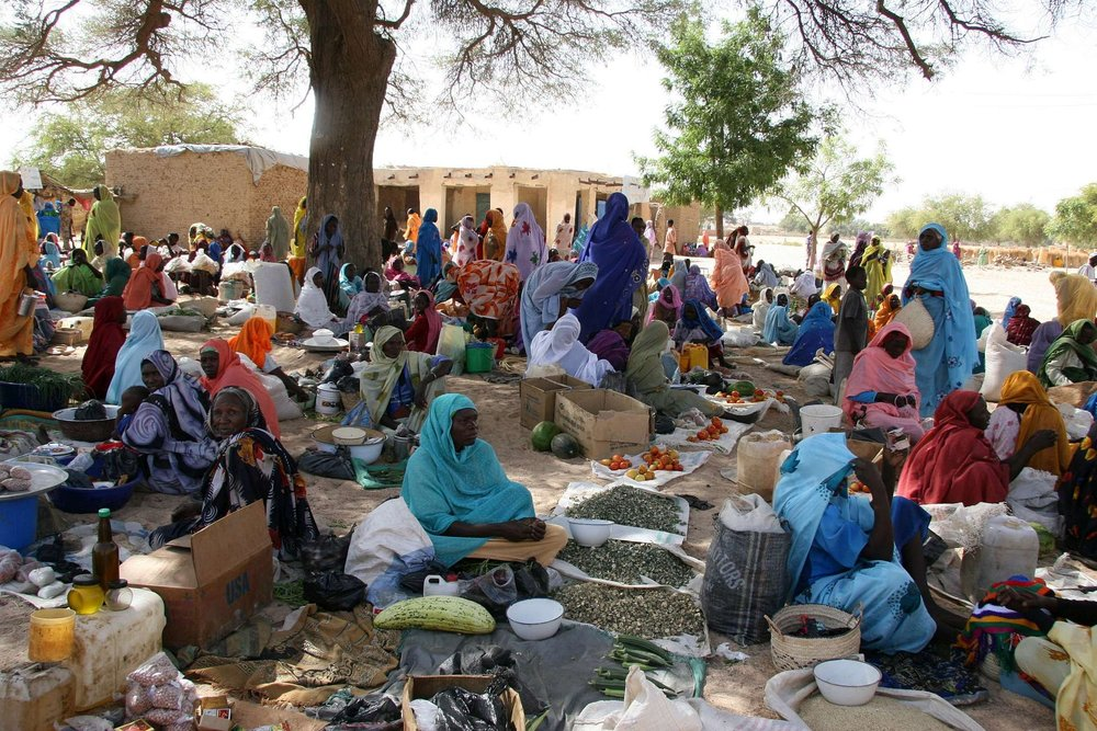 COSV_-_Darfur_2008_-_Market_sellers.jpg