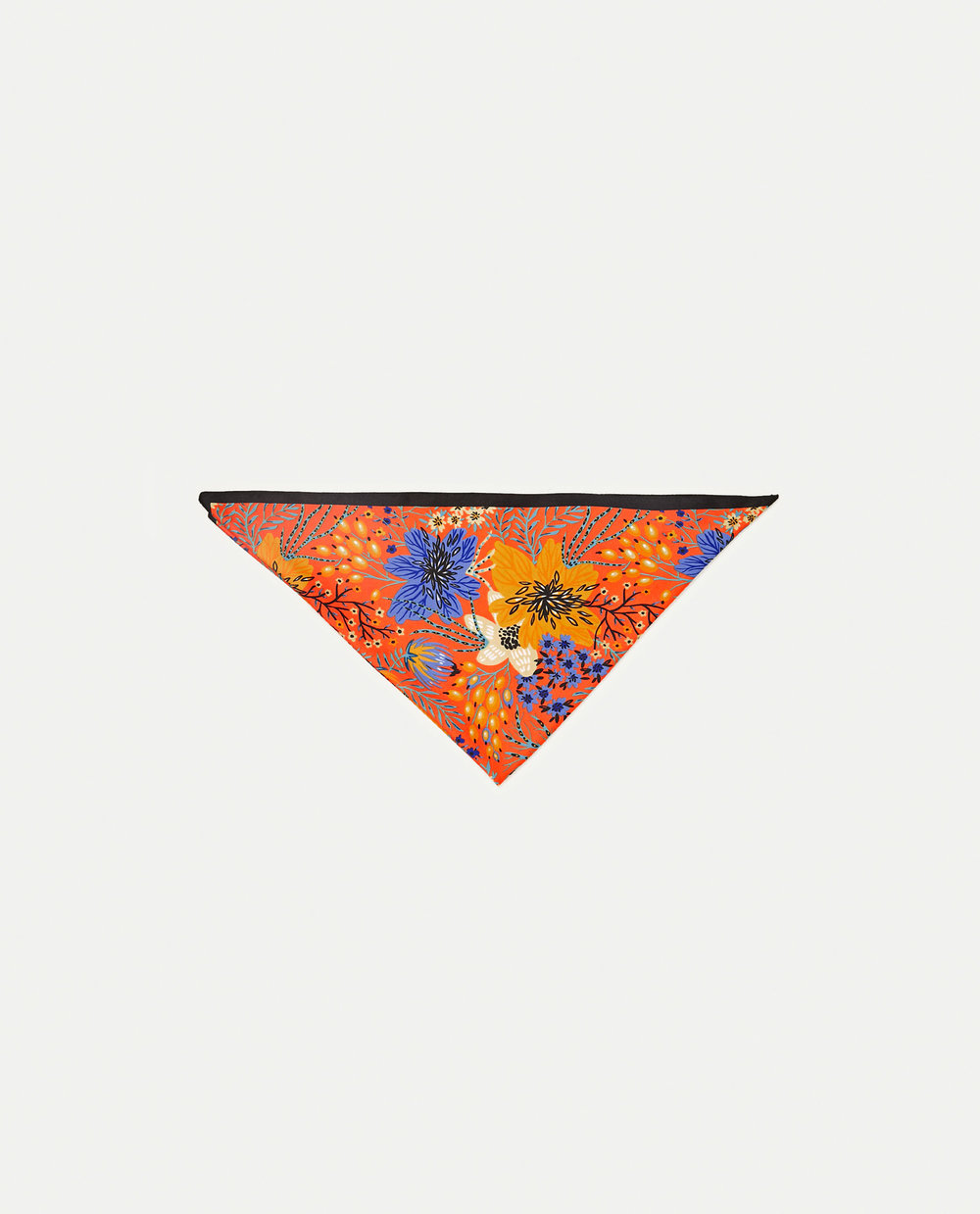 Lenço com padrão floral, 7,95€, Zara