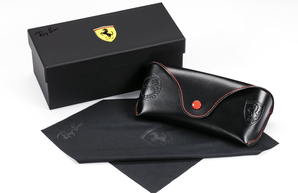 RAY-BAN_SCUDERIA_FERRARI_CAPSULE_COLLECTION_PACKAGING_3.png