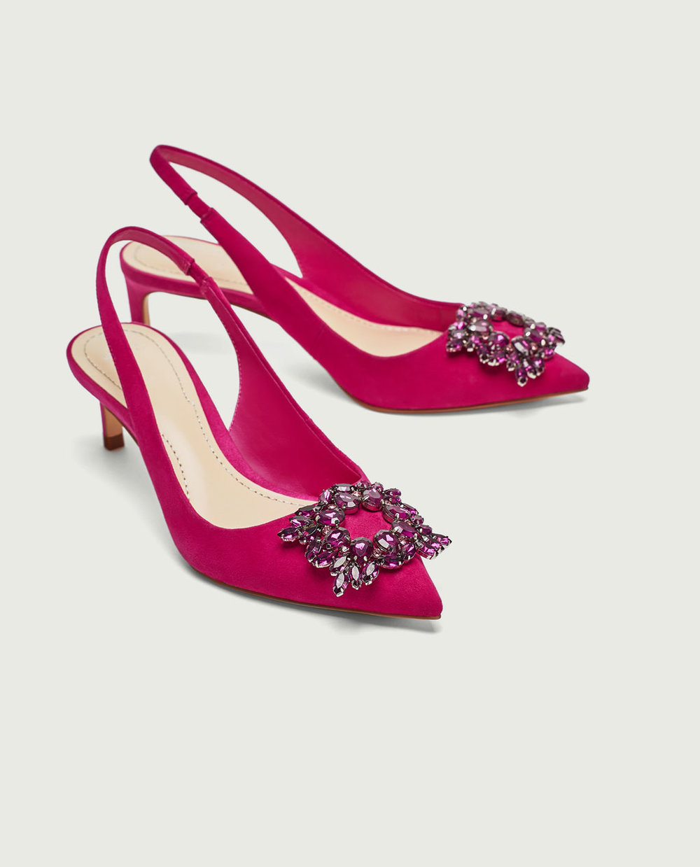 Sapatos com aplicação, 49,95€