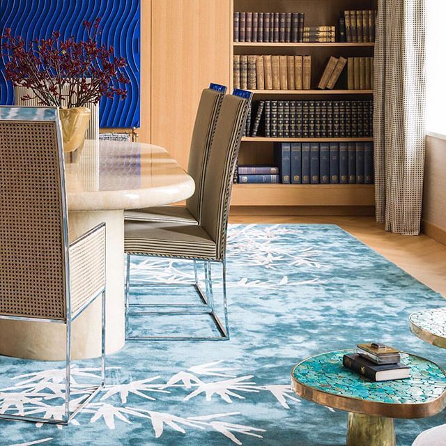 Beautiful combination of colors and shapes in this London apartment @irakliz. Shown @karlspringerltd Oval Dining Table in Natural Goatskin Parchment. Artwork by Marc Cavell.  #midcenturymoderndesign #iraklizariainteriors #karlspringer #interiordesign #interiors #interiorinspo #goatskinparchment #marccavell #diningroom #decor #interiur #interiordecorating #midcenturymodern #homedecor #luxury #luxurylifestyle #art #artfurniture #turquoise #painting #elledecor #customfurniture #designcrush #toddmerrillstudio